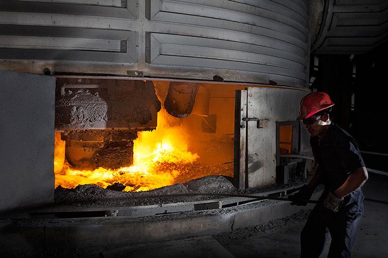 Погружная дуговая печь на заводе SNAM ALLOYS PVT. LTD.
